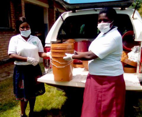 Bucket distribution in Malawi
