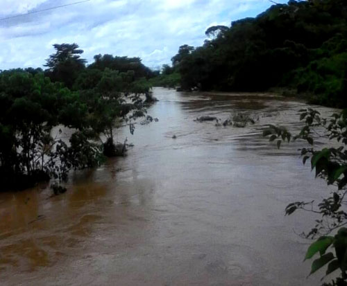 Heavy rains in Malawi fill the river